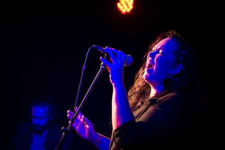 Rosa Brown am KAMA Willkommensfest im Mark Salzburg