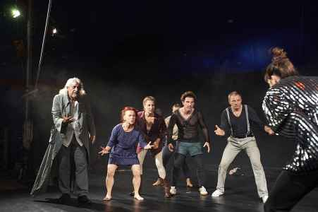 Gauklermärchen vom Theater Ecce in Zirkuszelt in Leogang